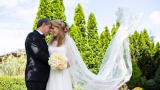 Плевнелиев и Деси Банова се ожениха (снимки)