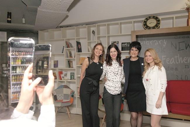 отляво надясно: Румяна Босева - Лулуто, Маги Пашова, Ева Тонева, Елена Карагьозова