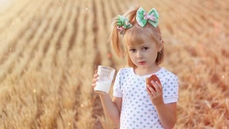 Вместо букет за 8-и март мляко за децата в нужда
