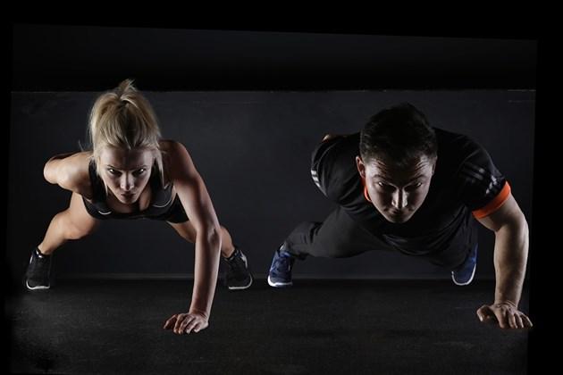 Защо да включим в тренировките си ластици за фитнес и масажори?