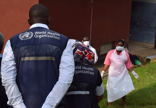 Еболата уби и бабата на детето, починало вчерав Уганда