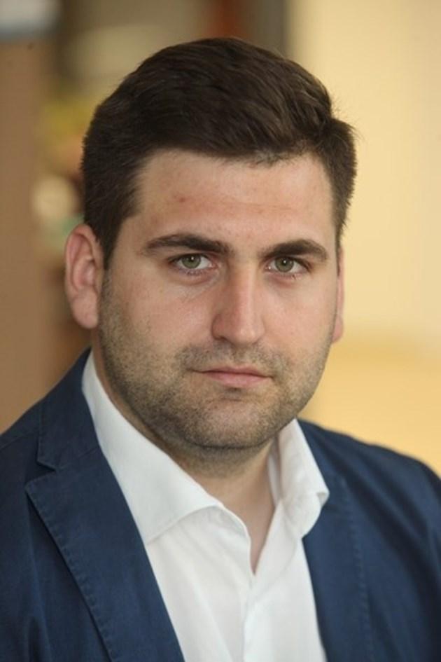 """Новаков: Несправедлив е моментът, избран за прокарване на пакета """"Мобилност"""""""
