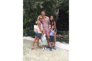 Росен Даскалов в един от редките мигове с цялото си семейство.