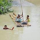 Мълнии убиха 33-ма индийци, други 13 са ранени
