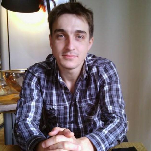 Прогонен от Слави заби журналистка