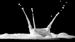 С какво да заменим прясното мляко по време на отслабване