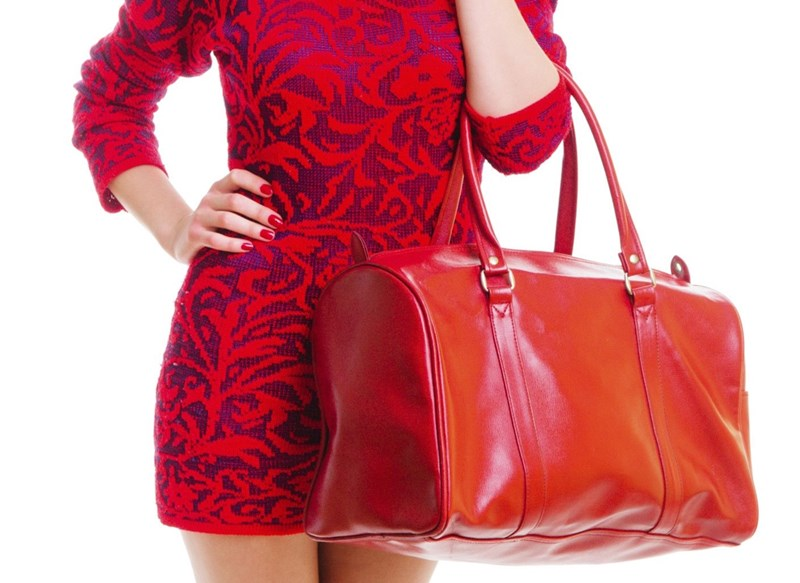 Тежките чанти деформират тялото, посочват експерти. СНИМКИ: ИНСТАГРАМ