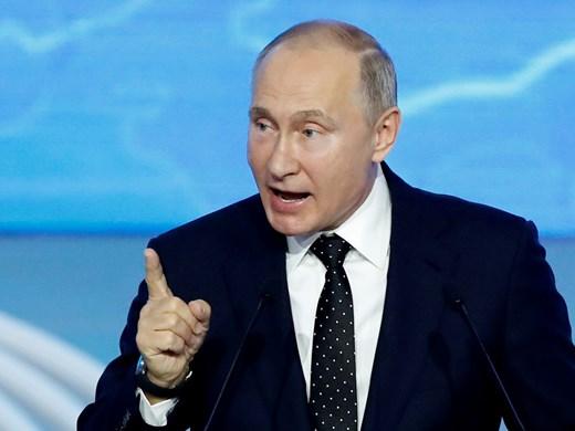"""Русия може да увеличи газовите доставки за Европа, когато Германия одобри """"Северен поток 2"""", каза Путин"""