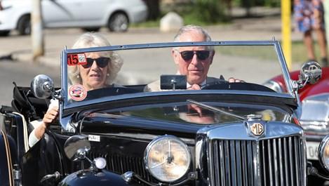 Принц Чарлз и Камила се повозиха в Куба (снимки)