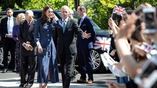 Кейт се появи с рокля, наподобяваща рокля на принцеса Даяна (Снимки)