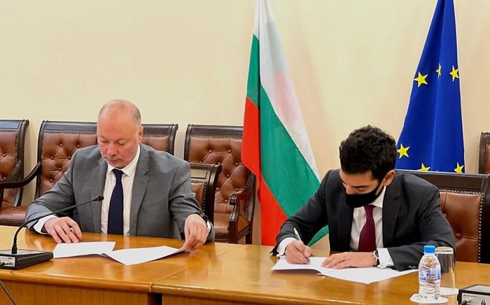Желязков подписа днес писмото за приключване съгласно концесионния договор, с което двете страни потвърждават, че предварителните условия по договора са изпълнени.