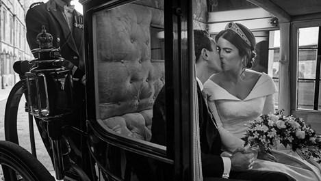 Принцеса Юджини и Джак Бруксбанк споделиха официални снимки от сватбата си (Галерия)