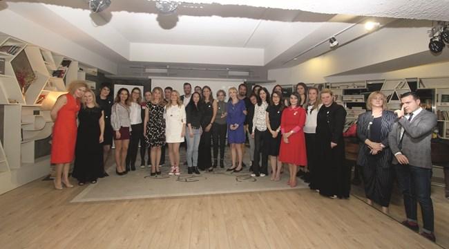 Първата церемония по отличаване на най-вдъхновяващите жени в България завърши под силни аплодисменти