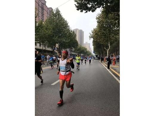 71-годишен бегач побеждава артрита и се готви за участие в Националните спортни игри