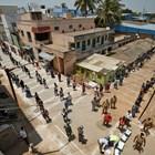 В Индия вагони и стадиони стават болнични отделения, други спортни обекти - затвори