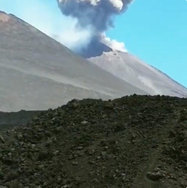 Вулканът Етна изригна от нов кратер (Видео)