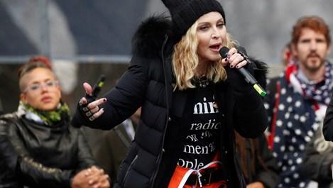 Мадона с изключителна реч: Революция започва (Галерия)