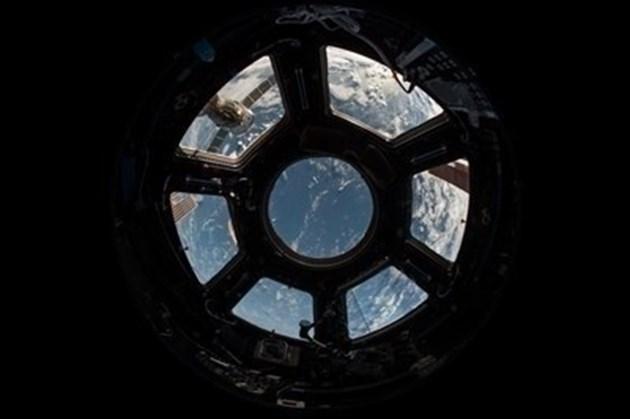 """НАСА избра """"СпейсЕкс"""" за първата си мисия до спътника на Юпитер - Европа"""