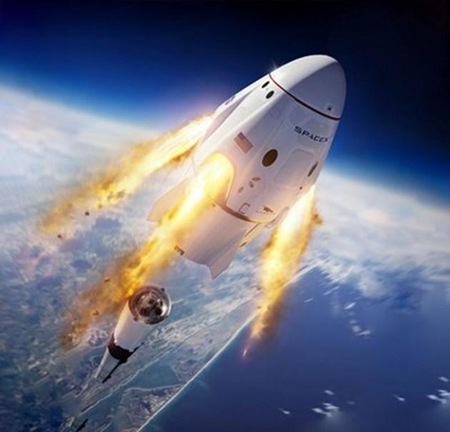 """Гледайте на живо: Изстрелват 2 души в космоса с """"Дракон"""" на Илон Мъск (Видео)"""