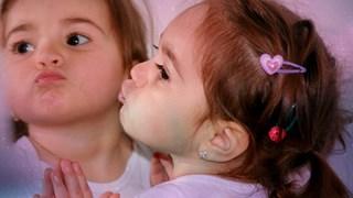 Нарцисизмът на децата не е наследствен, отглежда се