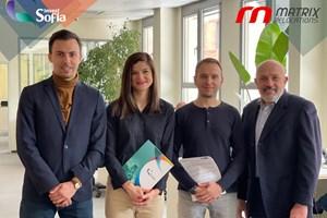 Главният изпълнителен директор на СОАПИ д-р Мария Христова обявява сътрудничеството с Matrix Relocations - водеща компания в специализираните логистични услуги.  СНИМКИ: СОАПИ