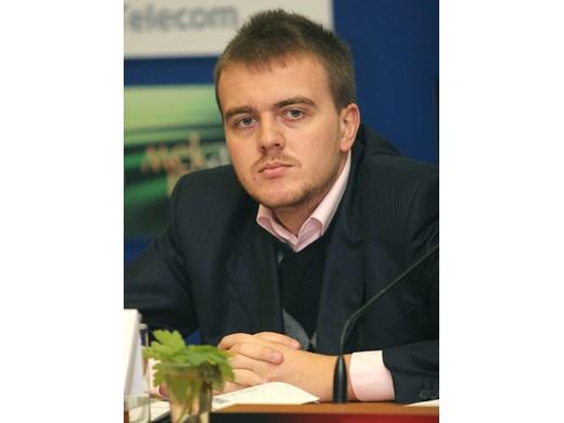 Петър Ганев: Политическата криза е малкото зло, стига да не се посегне на фискалната стабилност и пътя към еврото