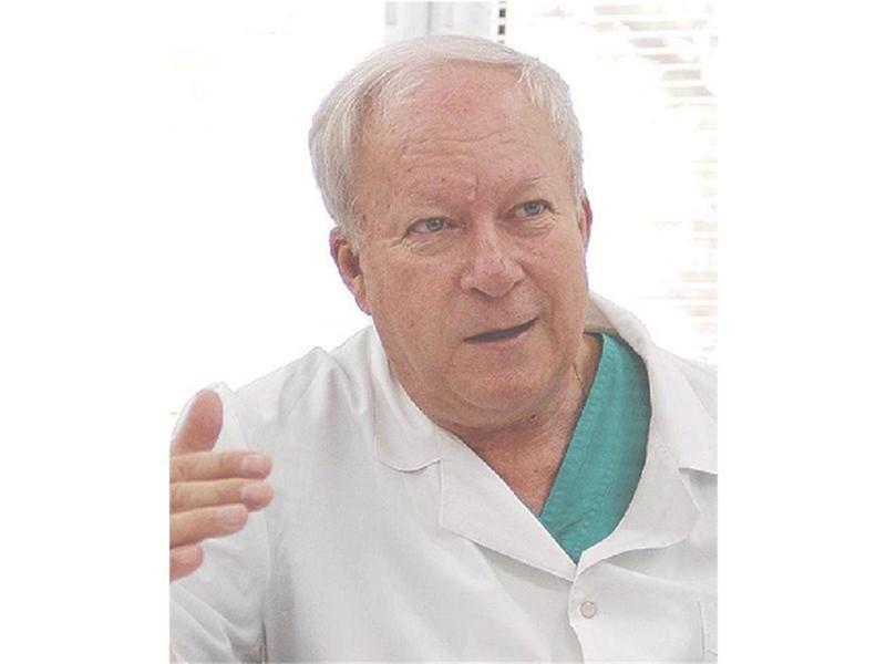 Проф. Георги Едрев, специалист по уши, нос и гърло Той отговаря на въпроса на Донка Петрова от Бургас