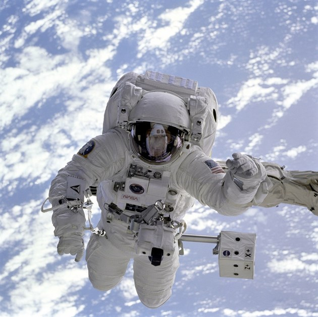Трима астронавти пристигнаха на  Международната космическа станция днес