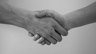 Ръкостискането може да разкрие колко дълго ще живеем