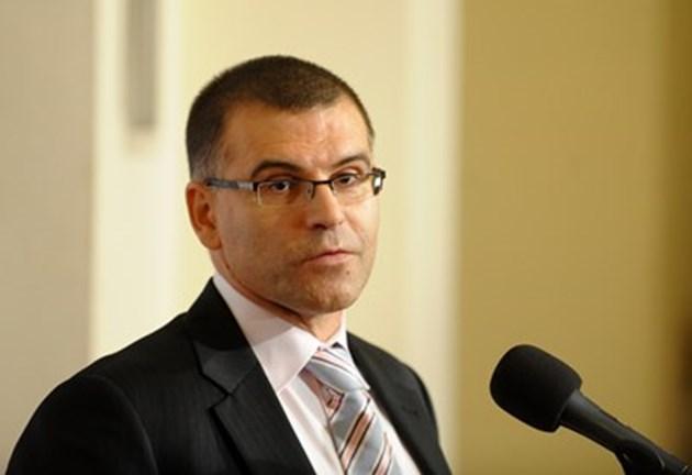 Дянков: Ако не сме челници във ваксинирането, икономиката няма да расте
