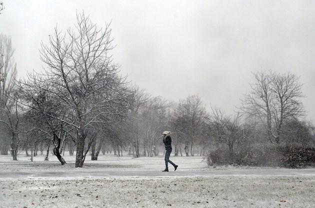 Декември донесе снега (СНИМКИ)