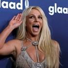 Бритни Спиърс счупи крака си (Видео)