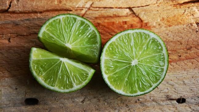 Смути с авокадо и лайм