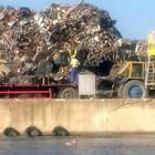 Висаджии изскачат от италианския боклук