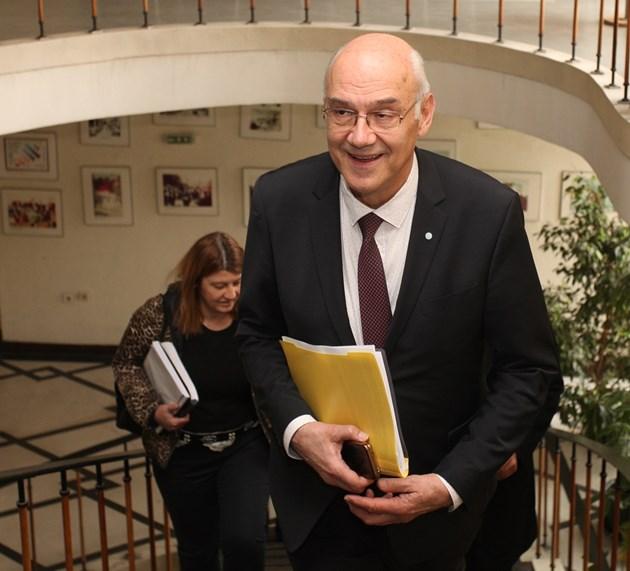 Председателят на КЕВР пред парламента: Драстично увеличение на цените от 1 юли няма да се допусне
