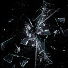 Погват счупил телевизор в знак на протест