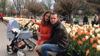 Мариана Попова и Веселин Плачков на разходка с бебето