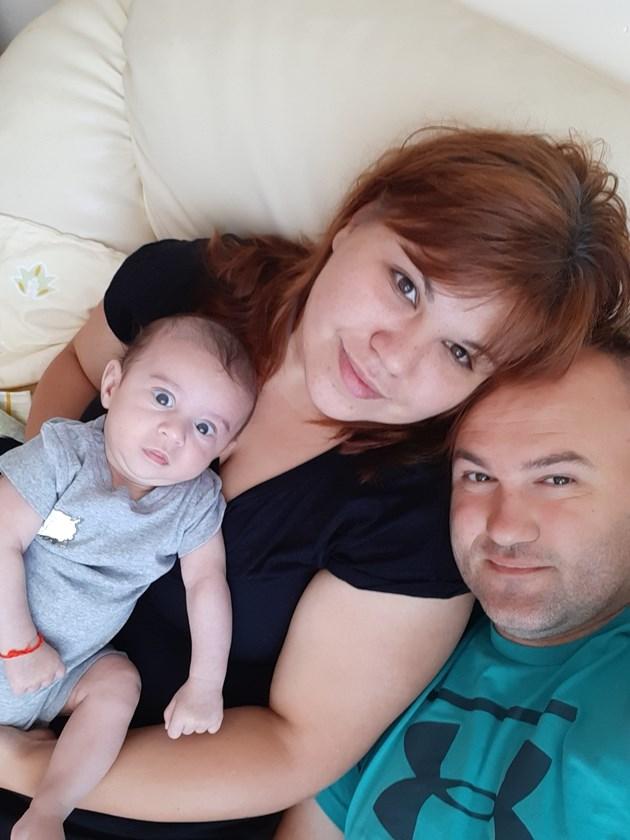 Родителите се борят за живота на малкия Милен / Снимка: Личен архив