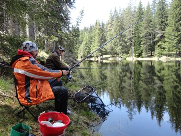 Забраниха риболова, но не заради коронавируса