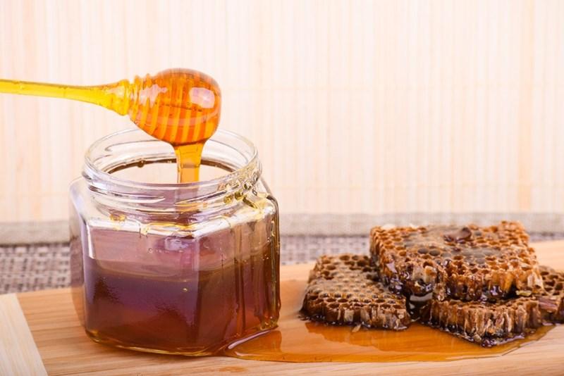 Рафинираната захар е определяна като отрова, заместете я с мед