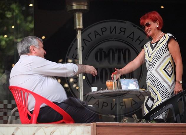 Георги Близнашки на кафе с приятелка