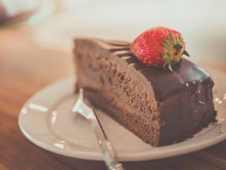 Какво липсва в организма, ако ни се яде шоколад или хляб