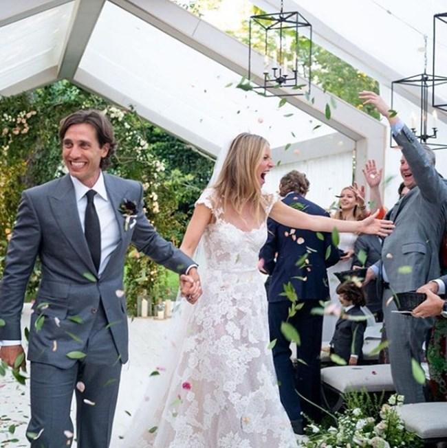 Щастливите младоженци в деня на сватбата си  СНИМКА: инстаграм/gwynethpaltrow