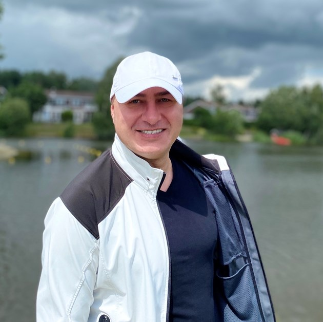 Певецът Стефан Митров: На хората им писна да бъдат лъгани