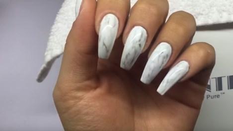 Мраморните нокти - хит през лято 2016