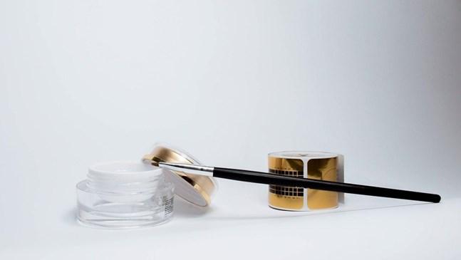 Пазар на премиум козметиката - размер, търсене и сегменти