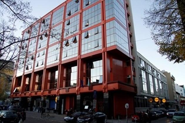 Сметната палата купува от частници 6,67% от сградата, в която е