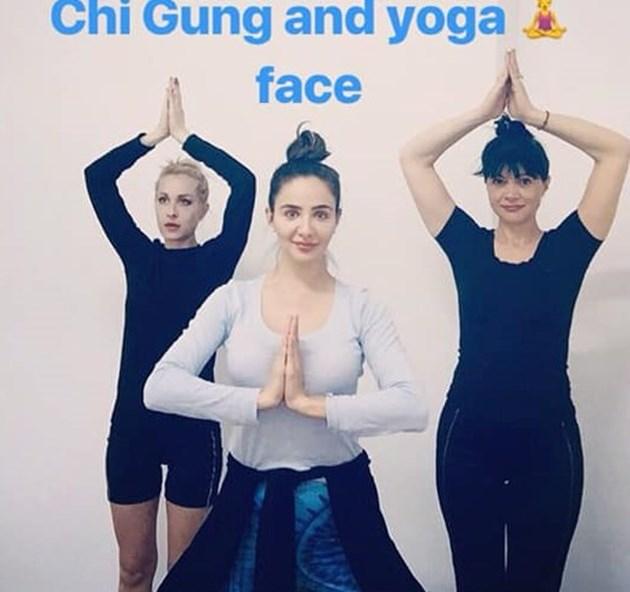 Елен Колева стана учителка по йога