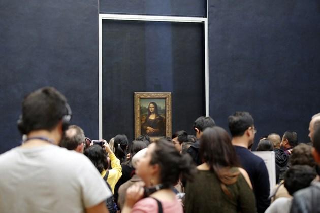 """""""Мона Лиза"""" се завърна на обичайното си място в Лувъра"""