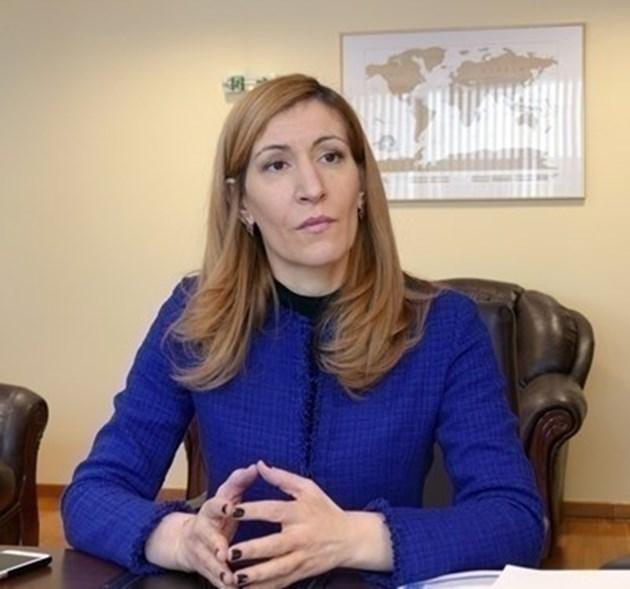 """Ангелкова: Има изключително голям интерес за почивки в """"крилата"""" на сезона"""